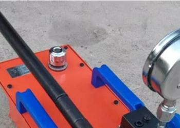 超高压手动油泵图片