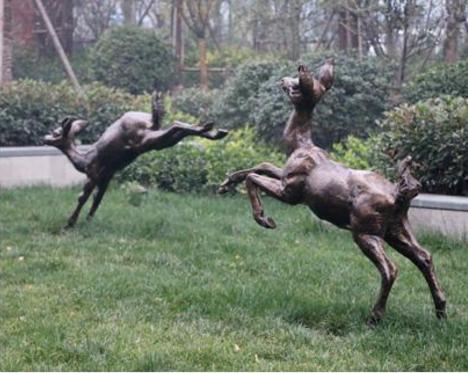 梅花鹿玻璃钢雕塑摆件 厂家直销园林景观公园树脂摆件