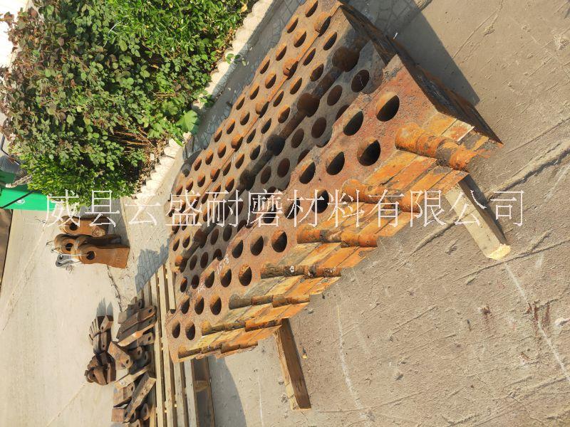 定做高锰钢制砂机筛板/破碎机筛板/破碎机漏板/高锰钢衬板/齿板/边护板/鄂板/