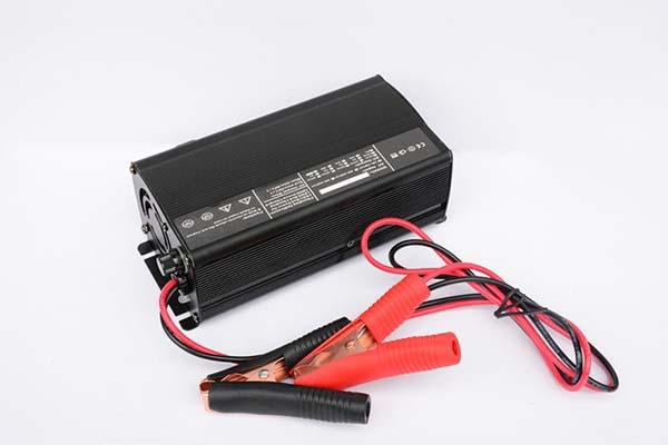 电动车充电器48V2.5A 厂家直销摩托车电瓶自行车电动车充电器