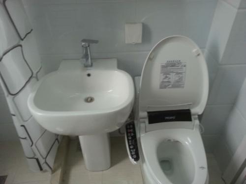 惠州维修马桶水箱洁具 维修马桶水箱洁具价格  维修马桶水箱洁具联系电话 维修马桶水箱洁具