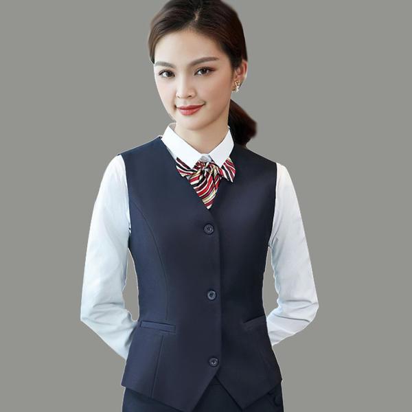 女马甲衬衣套装 女职业装