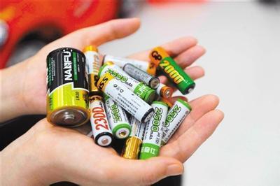 深圳电池回收厂家直收价格高   电池回收报价电话