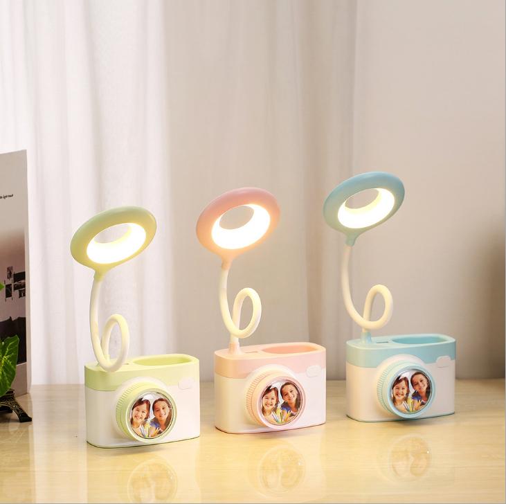 新品C8相机台灯USB充电创意小台灯LED护眼笔筒多功能台灯定制礼品