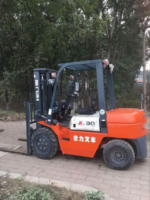 北京二手3.5吨叉车急售厂家直销电话   九成新合力牌二手3.5吨叉车低价转让