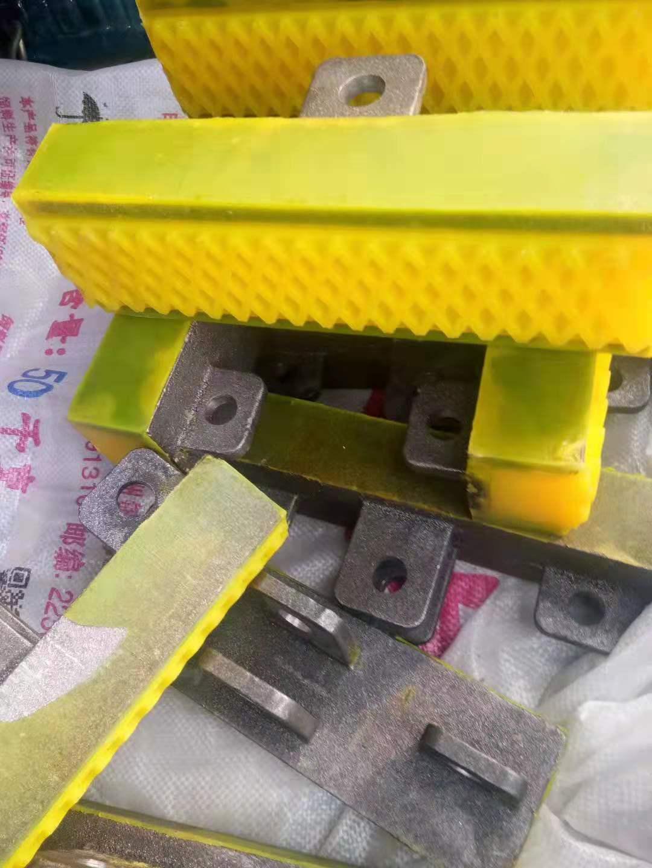 瑞港设备胶块 润磨机橡胶衬板 棒磨机橡胶衬板 球磨机橡胶八孔垫 模框密封条