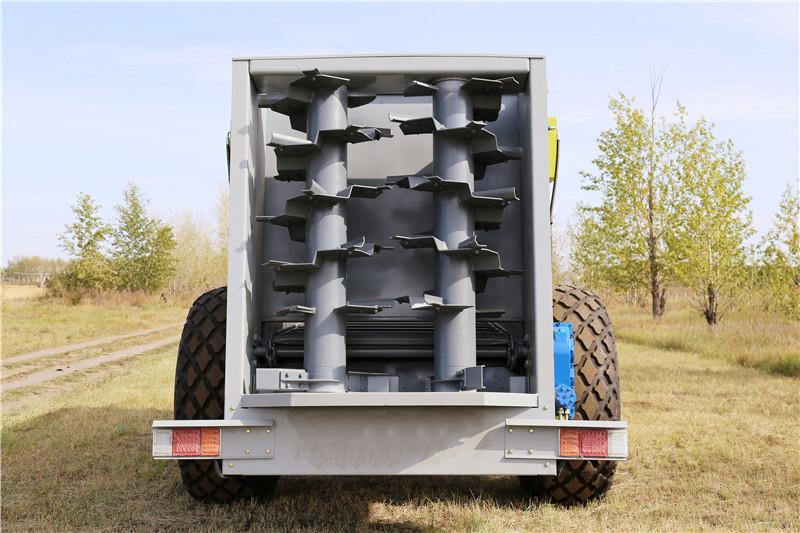 厂家直销12立方大型撒粪车,新型撒粪车,有机肥施肥器