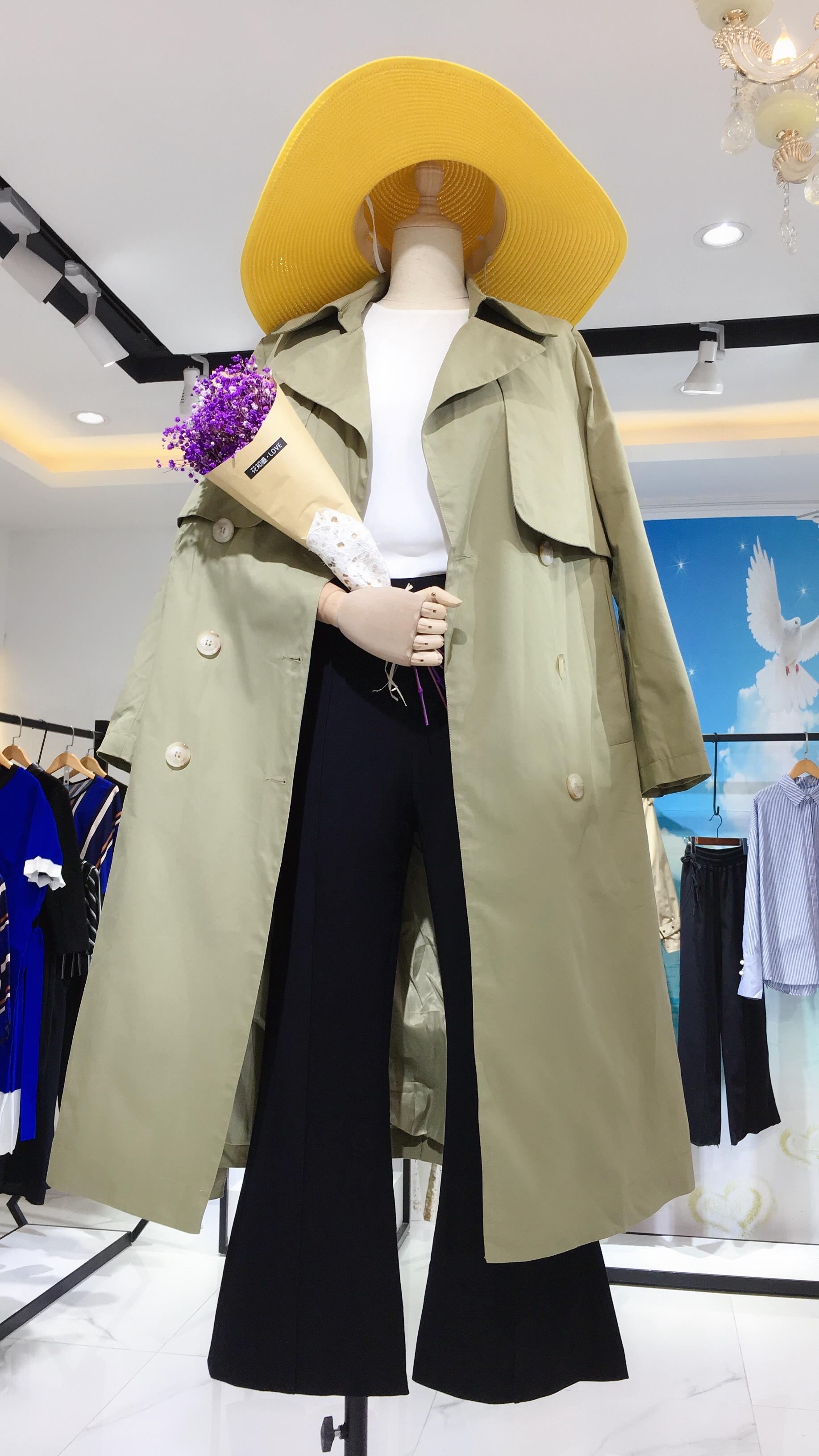 神秘花园韩版风衣外套实体店女装货源折扣批发