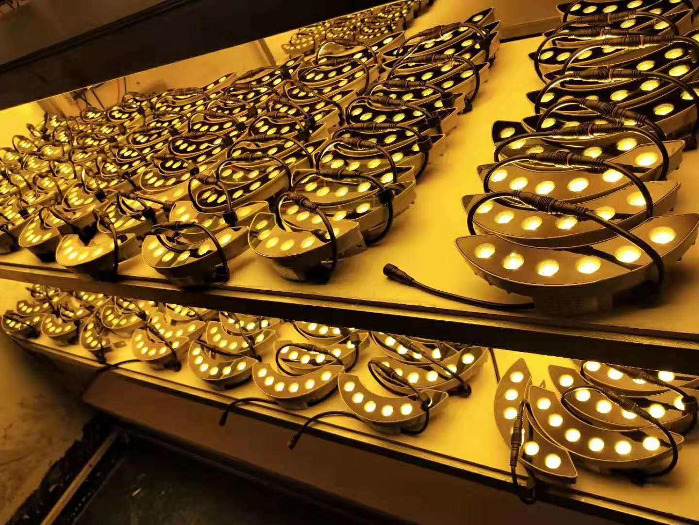 广州市工厂直销瓦楞灯 户外防水瓦片灯价格 5W黄光LED瓦片灯