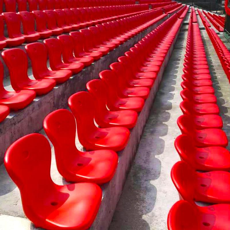 四川户外体育场塑料椅子生产厂家现货直供中空吹塑看台座椅亿洲yz-6100型