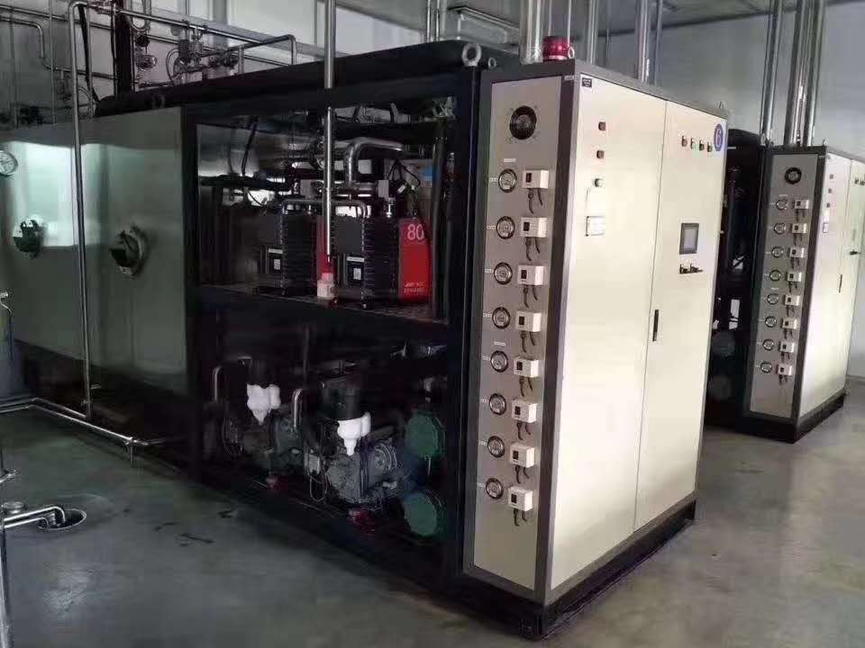 五台上海二手东富龙冻干机 10平方一台 动自动门,带CIP、SIP,爱德华真空泵,比泽尔压缩机