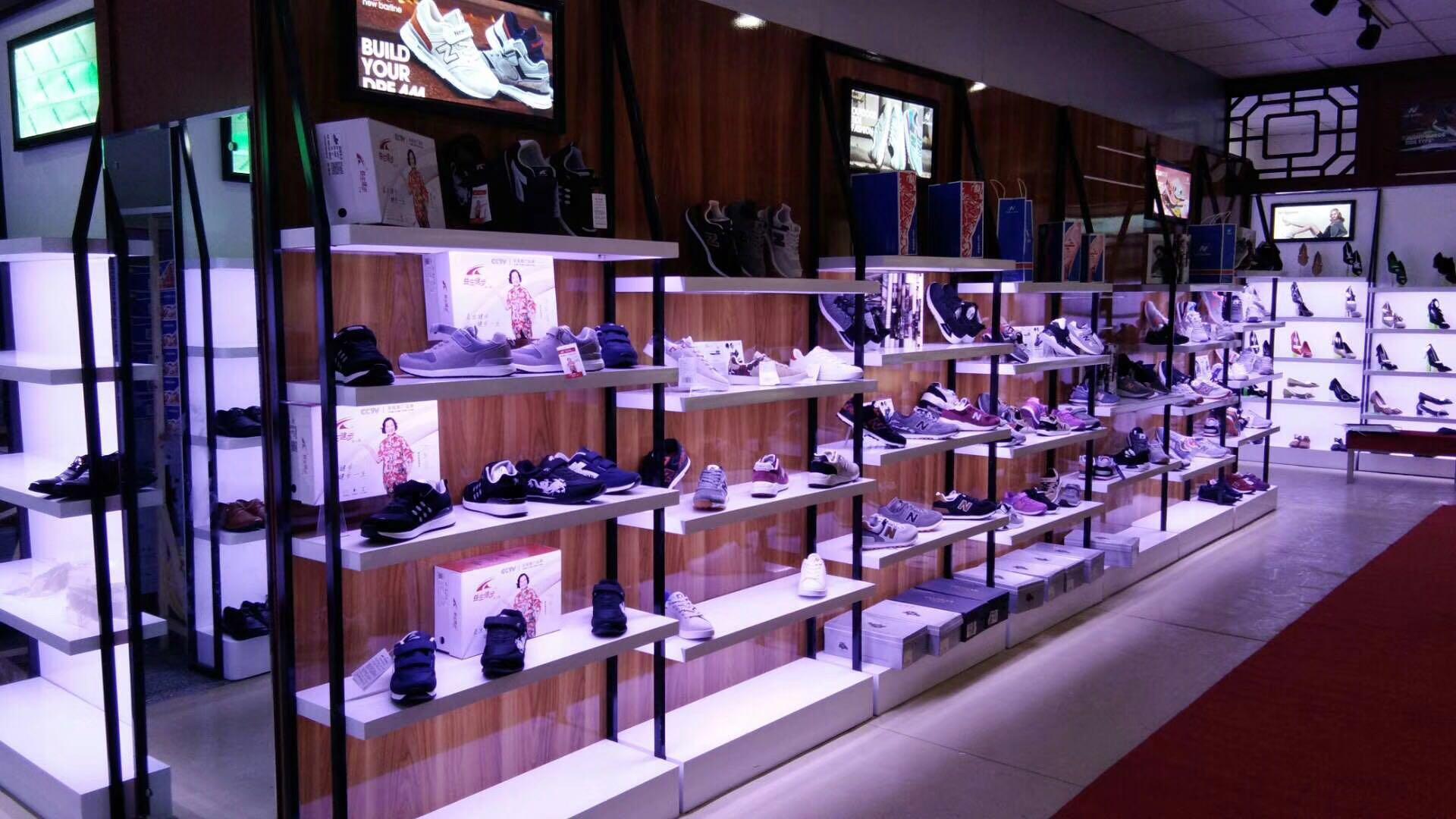 南充服装鞋包展柜制作厂家