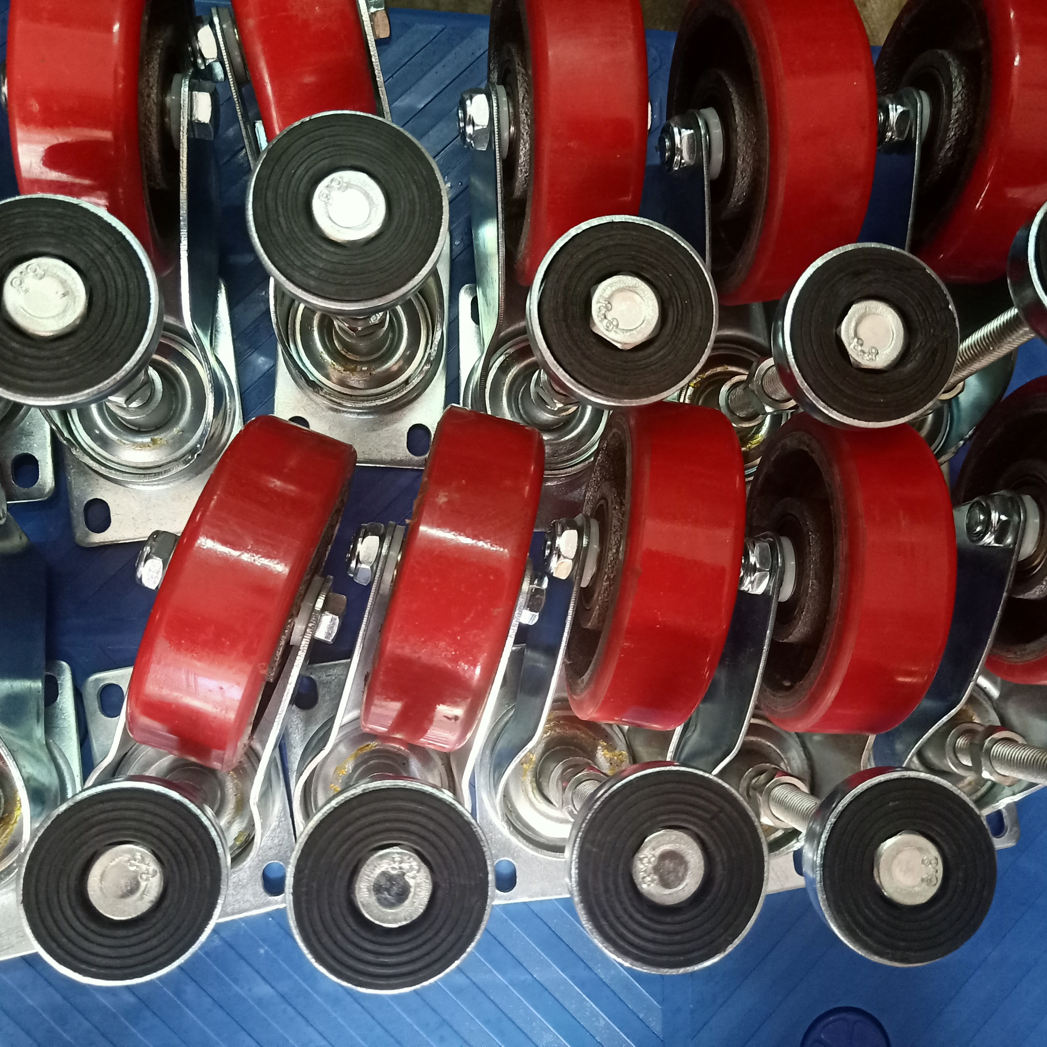 脚轮,单价包胶轮,叉车轮,批发价脚轮厂,厂家直销,万向轮,脚轮哪家好;永固聚氨酯制品