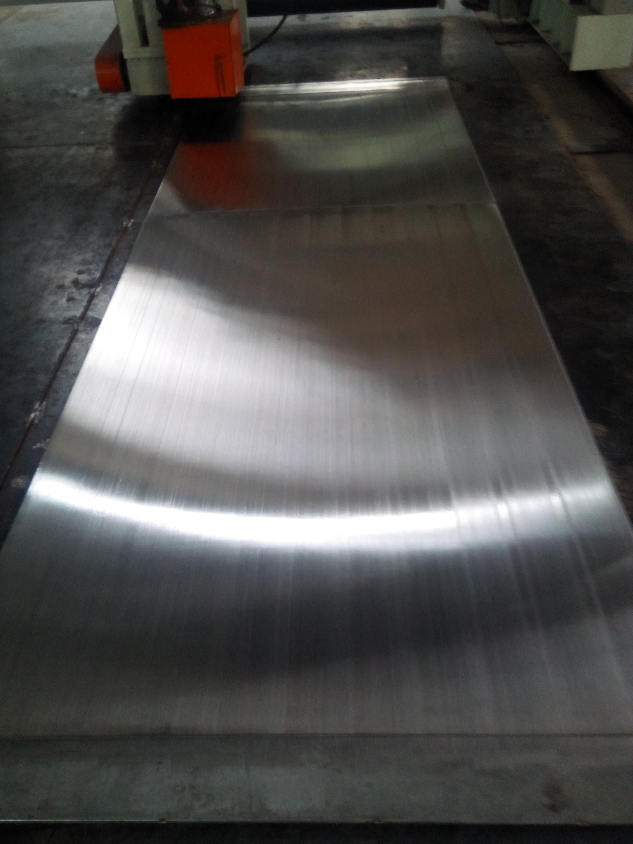 不锈钢拉丝磨砂板供应商 不锈钢拉丝磨砂板价格  佛山不锈钢拉丝磨砂板哪家好