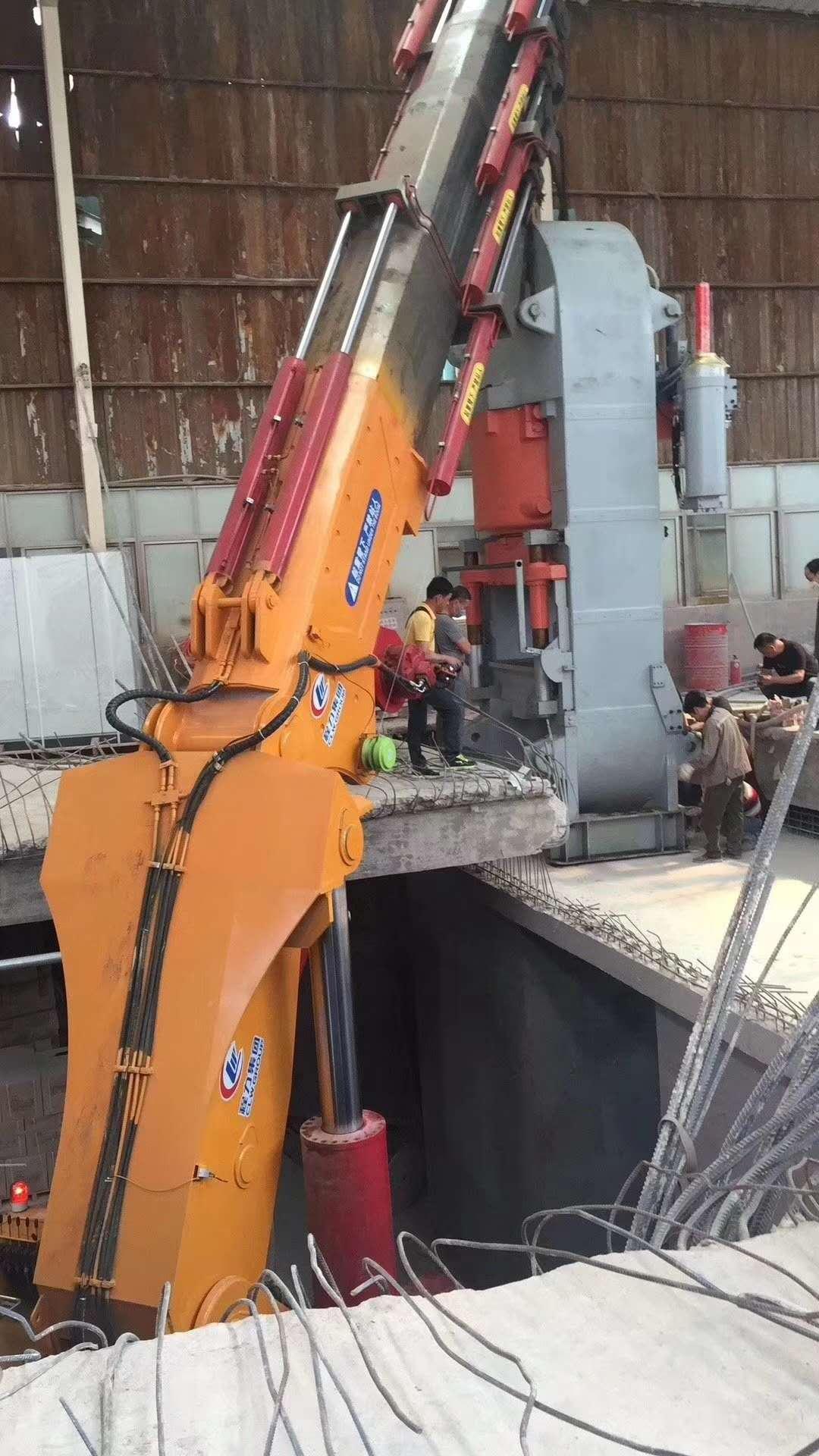 佛山南庄陶瓷押压机吊装、设备移位搬运
