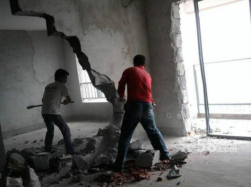 苏州太仓砸墙服务公司  家装砸墙小区服务队  专业敲墙砸墙队价格
