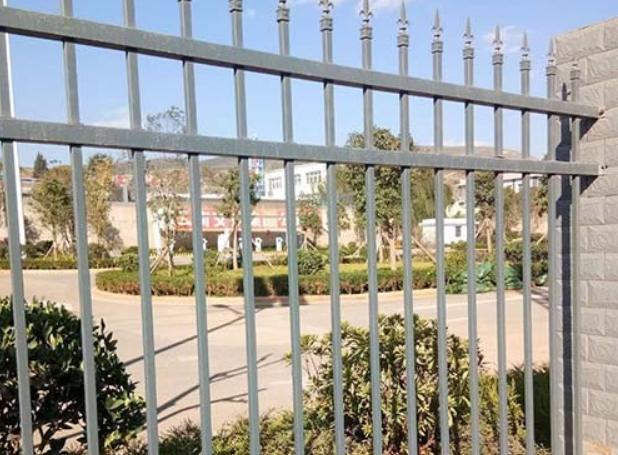 小区锌钢护栏价格  小区锌钢护栏厂家 云南小区锌钢护栏