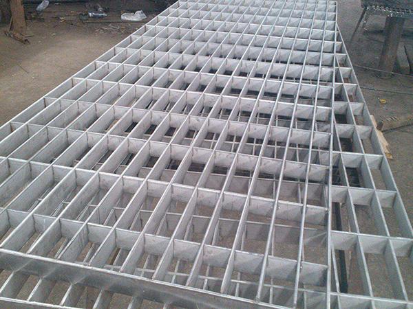 异形钢格栅板踏板A南澳异形钢格板踏板A异形钢格板踏板厂家