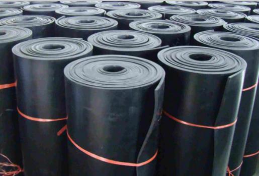 新疆工程橡胶板厂家供应销售